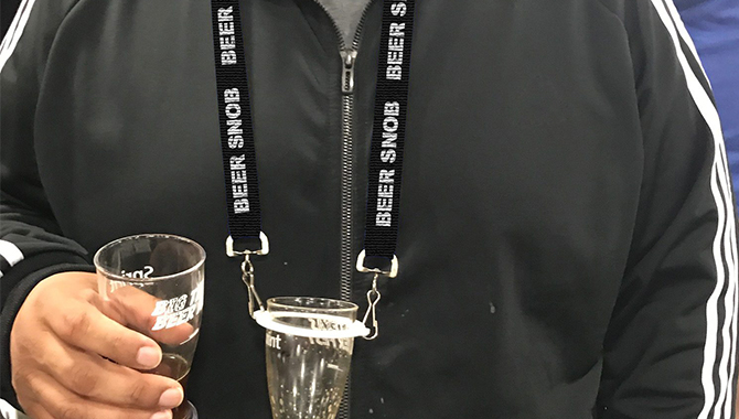 https://www.myinthemix.com/images/products_gallery_images/hands-free-drinking-lanyards---black-Beer-Snob-Label-_free-shipping_43.jpg